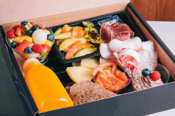 Des conseils pour préparer des plateaux-repas légers chez vous